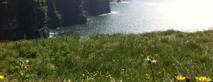 Cliffs of Moher is one of Summit reunions (Things to do and see).