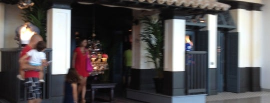 Hollister Co. is one of Málaga: Coffee, brunch, shopping & chill places!.