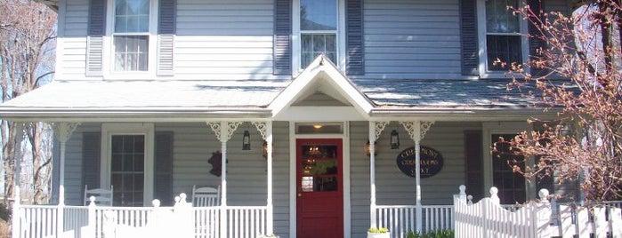 Crestmont Inn is one of PA Shooflyer.