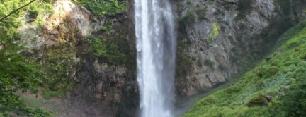 平湯大滝 is one of 日本の滝百選.