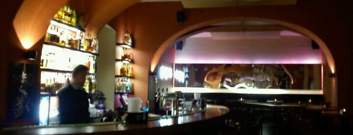 Papas | bar & lounge is one of prizzague.