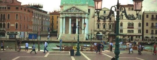 Ponte degli Scalzi is one of Venecia.