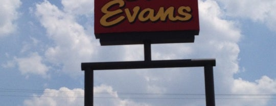 Bob Evans Restaurant is one of Fort Wayne Food.