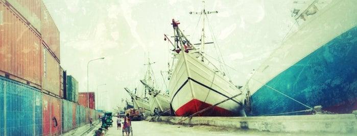 Pelabuhan Sunda Kelapa is one of Tourism Place in Jakarta.