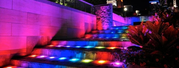 John G & Phyllis W Smale Riverfront Park is one of Cincinnati for Out-of-Towners #VisitUS.