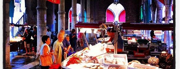 Mercato di Rialto is one of Venice.