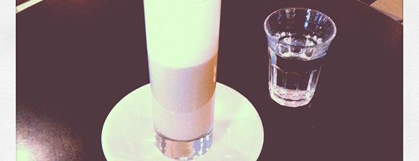 Adriano's Bar & Café is one of Bern.