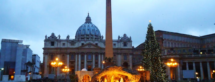 Saint Peter's Square is one of My Italian Guide.