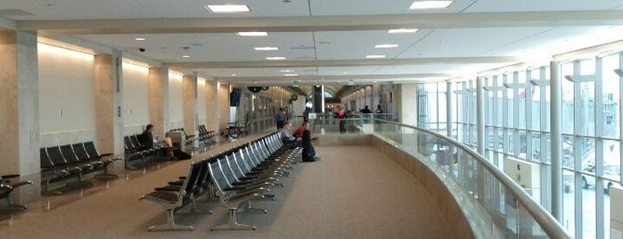 John Wayne Airport (SNA) is one of I Love Airports!.