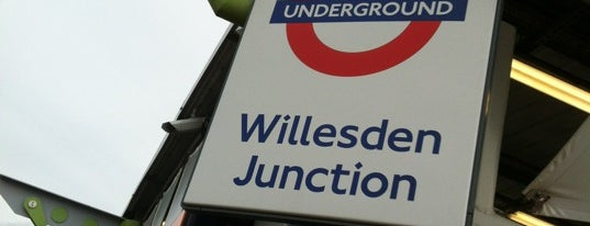 Willesden Junction London Underground and London Overground Station is one of Tube Challenge.