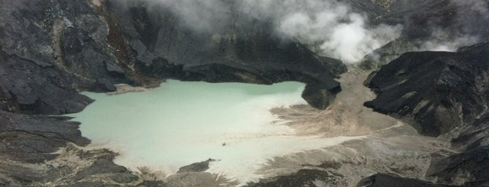 Gunung Tangkuban Parahu is one of Lovely place to visit.