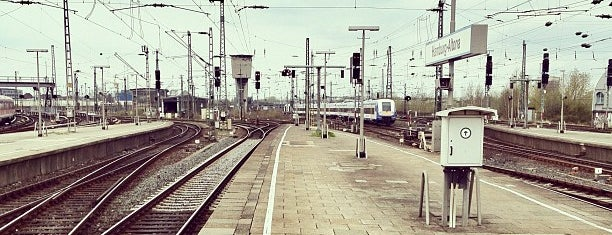 Bahnhof Hamburg-Altona is one of Ausgewählte Bahnhöfe.