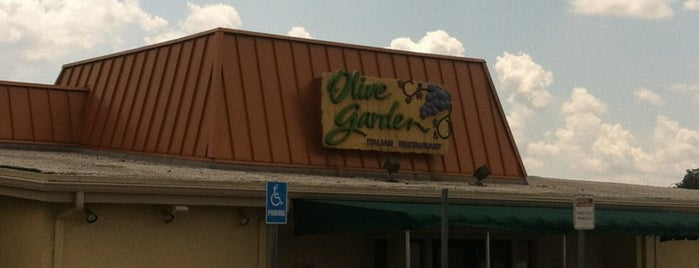 Olive Garden is one of Fort Wayne Food.