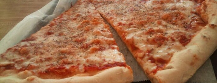 Franks Original Pizza Italia is one of Bronx, NY.