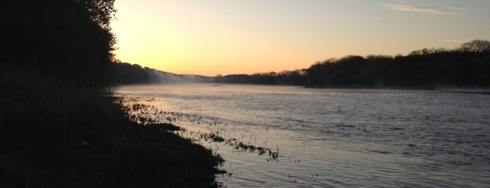 Kankakee River State Park is one of Illinois: State and National Parks.