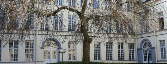 UGent - Faculteit Recht en Criminologie is one of Student van UGent.