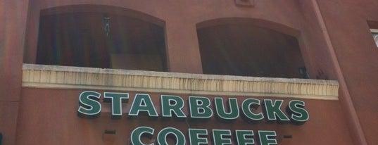Starbucks is one of สถานที่ที่ Veronica ถูกใจ.