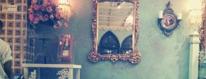 Shakespeare and Co. شكسبير أند كو is one of Places to try.