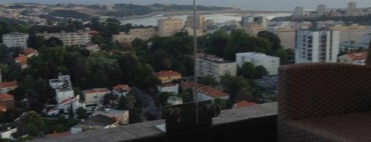 Hotel Porto Palácio is one of Tania.