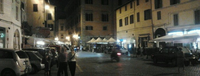 Piazza Del Mercato is one of En Sevdigim Mekanlar.