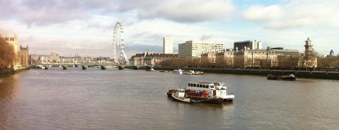 Lambeth Bridge is one of London.