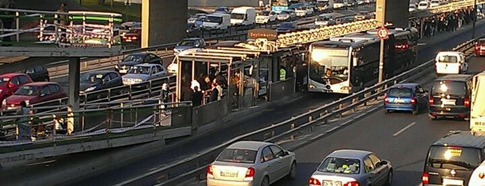 Zeytinburnu Metrobüs Durağı is one of Gokay.
