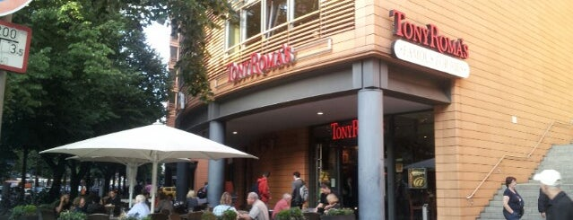 Tony Roma's is one of Favorite Food.