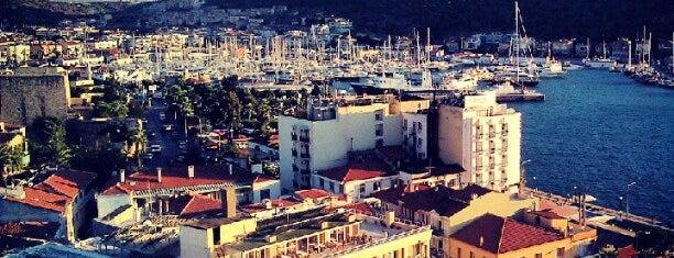 Çeşme is one of İzmir.