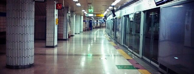 Gaehwasan Stn. is one of Subway Stations in Seoul(line5~9).