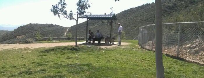 Simi Dog Park is one of For K9 friends in SFValley+.