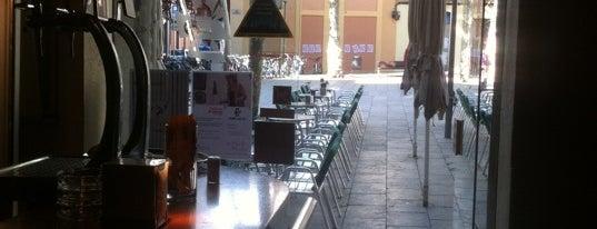 La Cafetera is one of Mejores Terrazas en Barcelona.