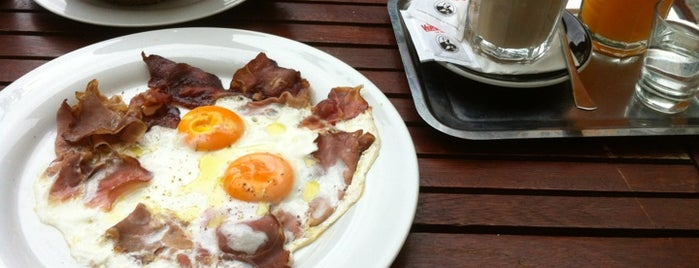 Sarki Fűszeres is one of Places to have breakfast at in Budapest.