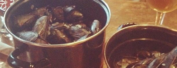 Brugge Brasserie is one of Exploring Indy #4sqCities #VisitUS.