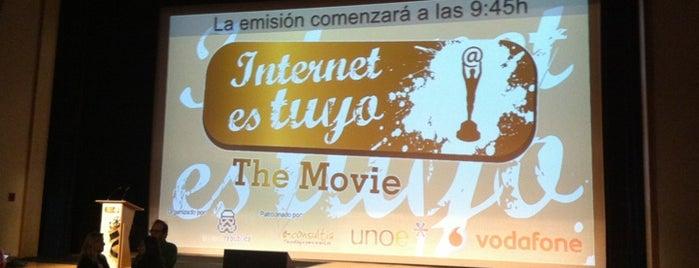 #InternetEsTuyo is one of C.M..