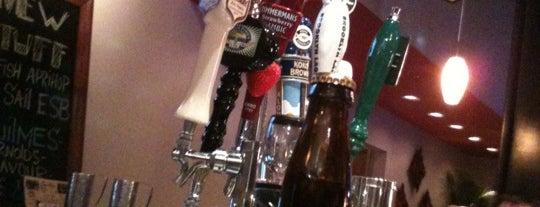 Alcove Wine Bar is one of Dallas restaurants.