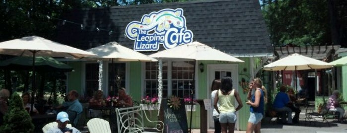 Leaping Lizard Cafe is one of Diners, Drive-Ins, and Dives- Part 2.