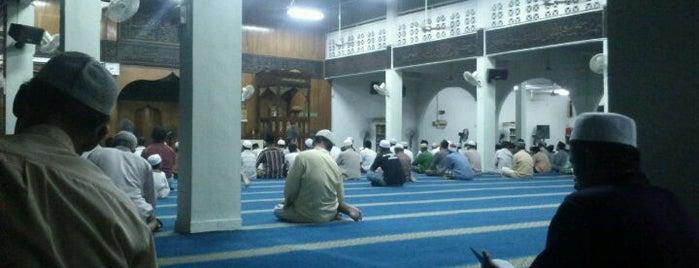 Masjid Al Ma'muriah is one of Masjid.