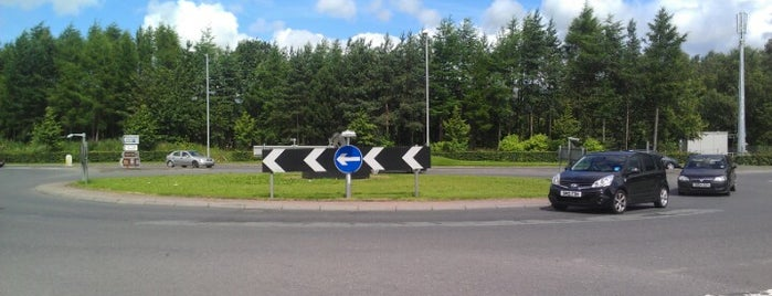 Clackmannan Road Roundabout is one of Named Roundabouts in Central Scotland.