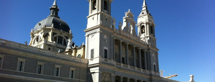 Santa Iglesia Catedral de Santa María la Real de la Almudena is one of Dieter's favourite spots in Madrid.