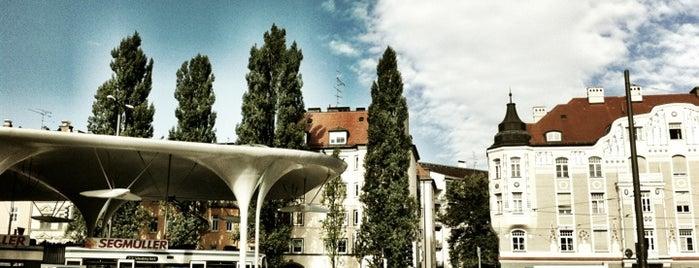 Münchner Freiheit is one of Sehenswürdigkeiten München.