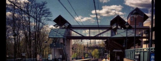 NJT - Bay Street Station (MOBO) is one of New Jersey Transit Train Stations I Have Been To.