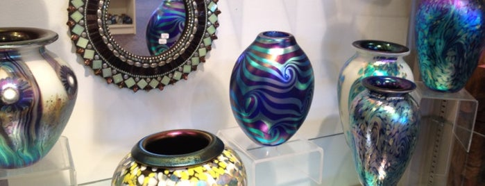 Campbell Pottery Store and Gallery is one of visitPA: PA Retail Polka Badge.
