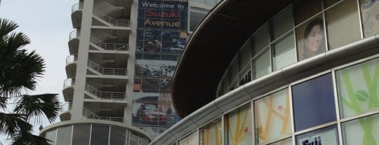 The Avenue Ratchayothin is one of Top Malls in BKK.