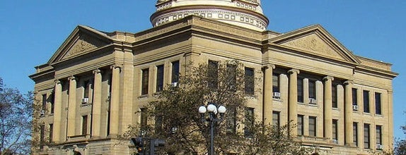 Logan County Courthouse is one of Lincoln 1.