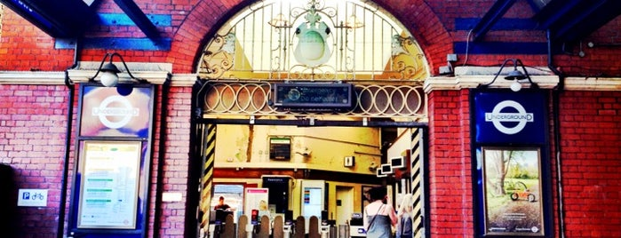 Stamford Brook London Underground Station is one of Underground.