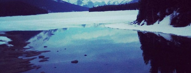 Maligne Lake is one of Canada Favorites.