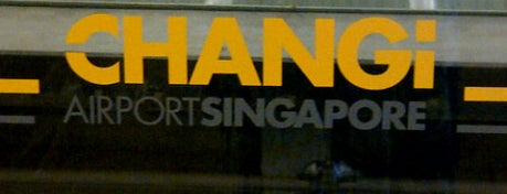 Aeroporto de Singapura Changi (SIN) is one of Free WiFi Airports.