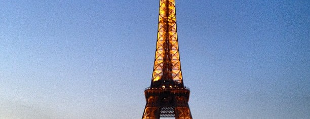 Eiffel Tower is one of Places To See Before I Die.
