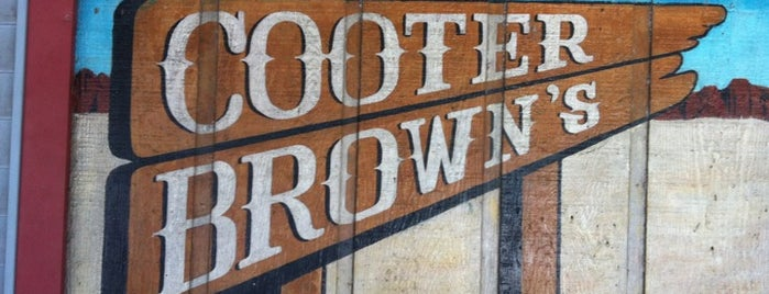 Cooter Brown's Tavern & Oyster Bar is one of Nola Must-Do.