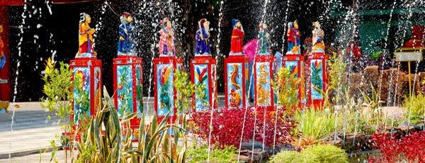 Sam Poo Kong Temple (Zheng He Temple) is one of Semarang Spots.